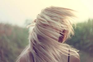 blonde-girl-hairs